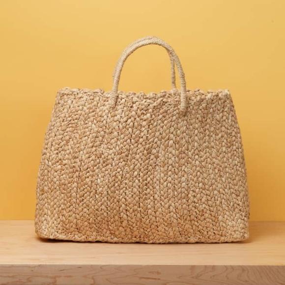 Reformation Handbags - NWT Reformation Market Straw Handbag